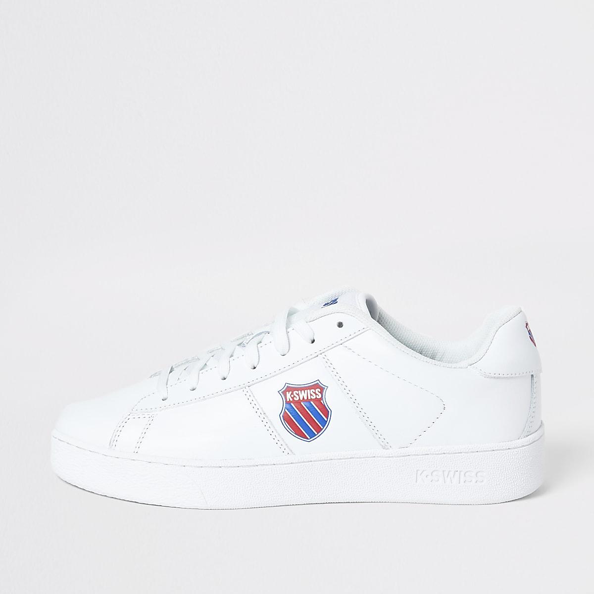 K-Swiss – Baskets à lacets en cuir blanches avec écusson