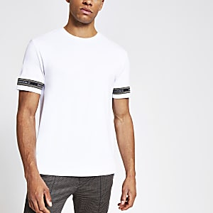 Weißes T-Shirt im Slim Fit mit Maison-Band mit Hahnentrittmuster