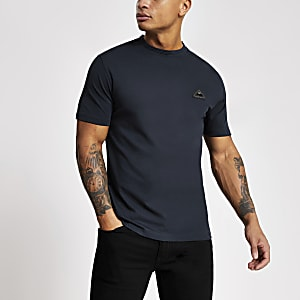 T-shirt slim bleu marine avec badge MCMLX