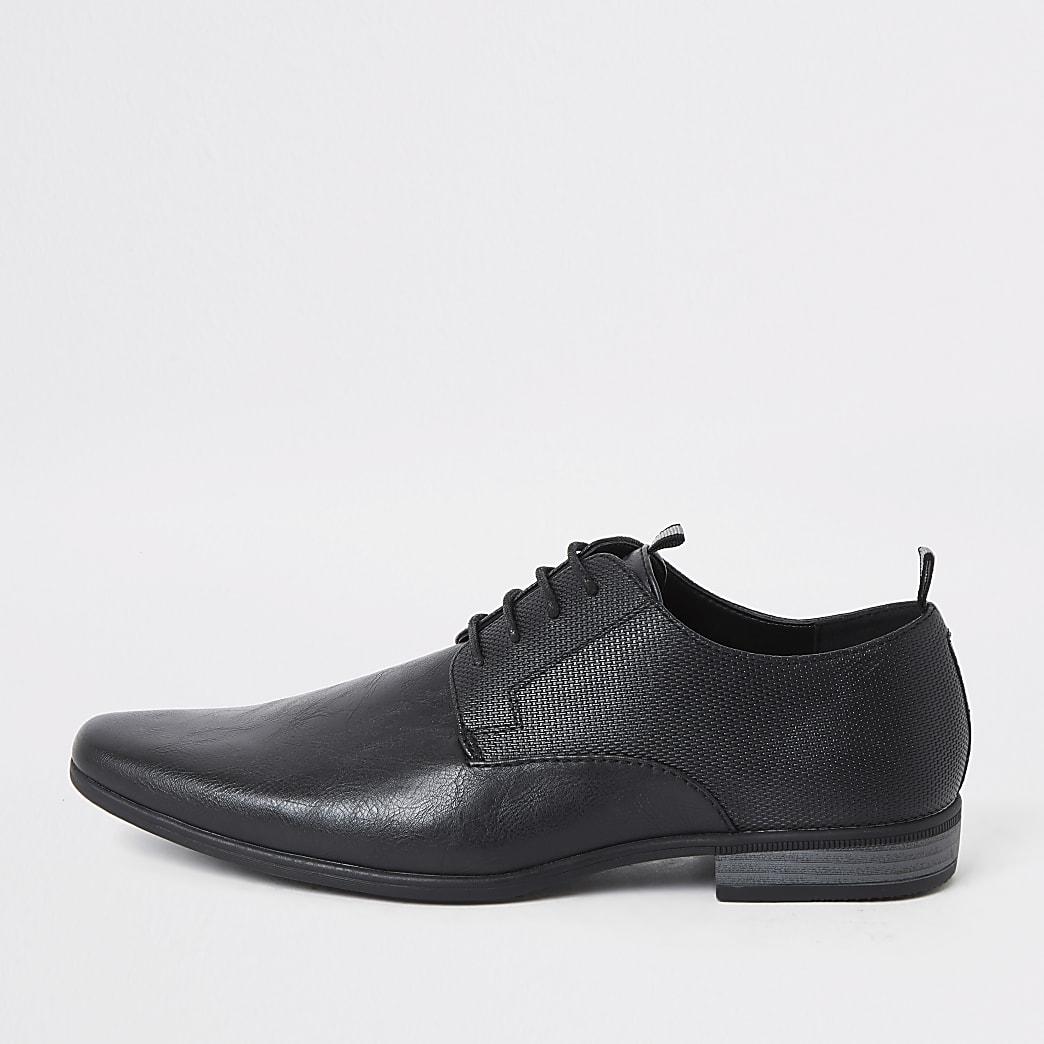 Schwarze Derby-Schuhe mit geprägtem Band