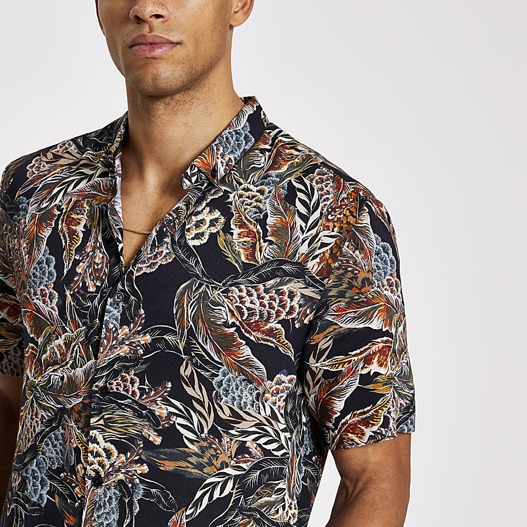 Black feather printed slim fit shirt