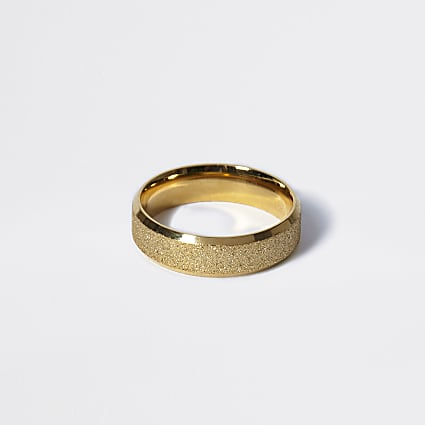 Gold colour textured ring