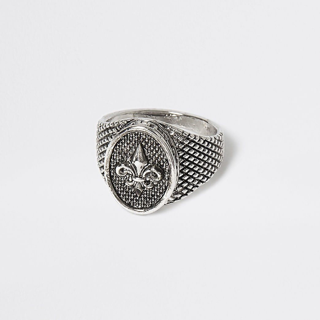 Silver colour fleur engraved signet ring