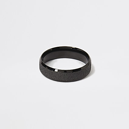 Black textured ring