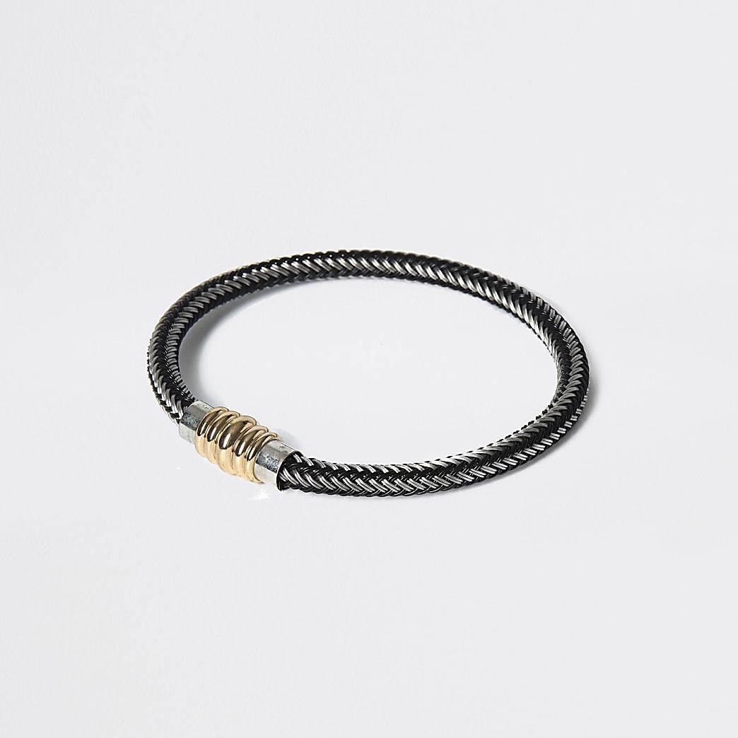Zilverkleurige armband met metalen sluiting en textuur
