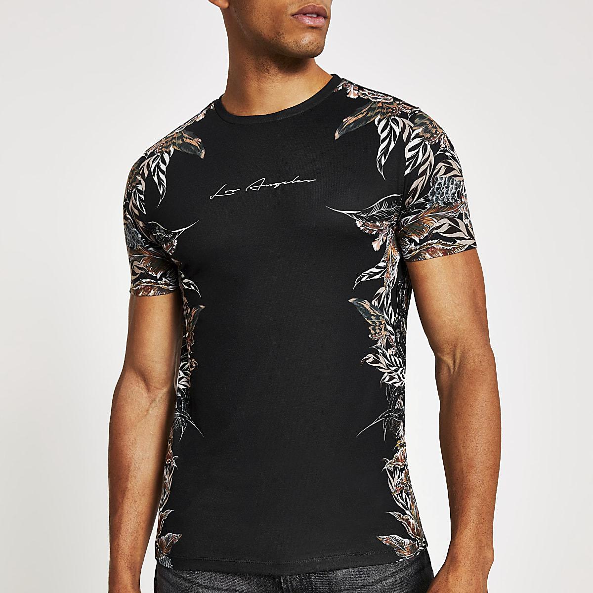 Zwart slim-fit T-shirt met veren print op de zijkanten