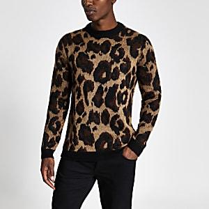 Pull slim marron en maille avec imprimé léopard