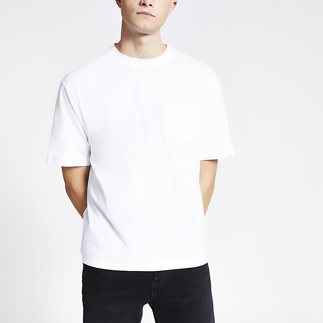 White short sleeve boxy T-shirt