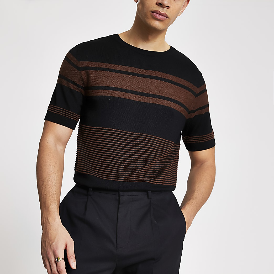 Zwart gebreid slim-fit T-shirt met strepen en kleurvlakken