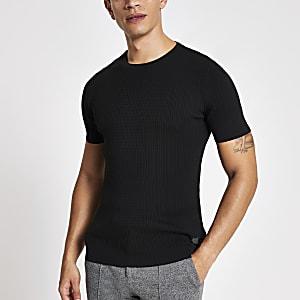 Schwarzes T-Shirt im Muscle Fit mit Zopfstrickmuster
