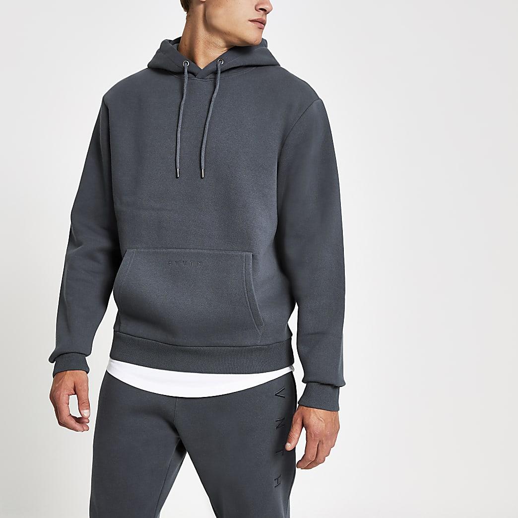 Donkerblauwe hoodie met Svnth-borduursel