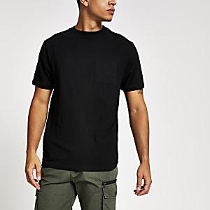 Zwart T-shirt met korte mouwen en borstzakje