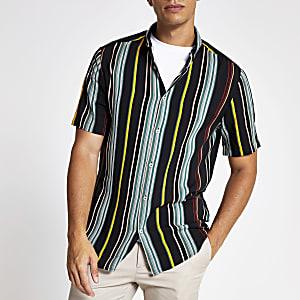 Grünes Slim Fit Kurzarmhemd