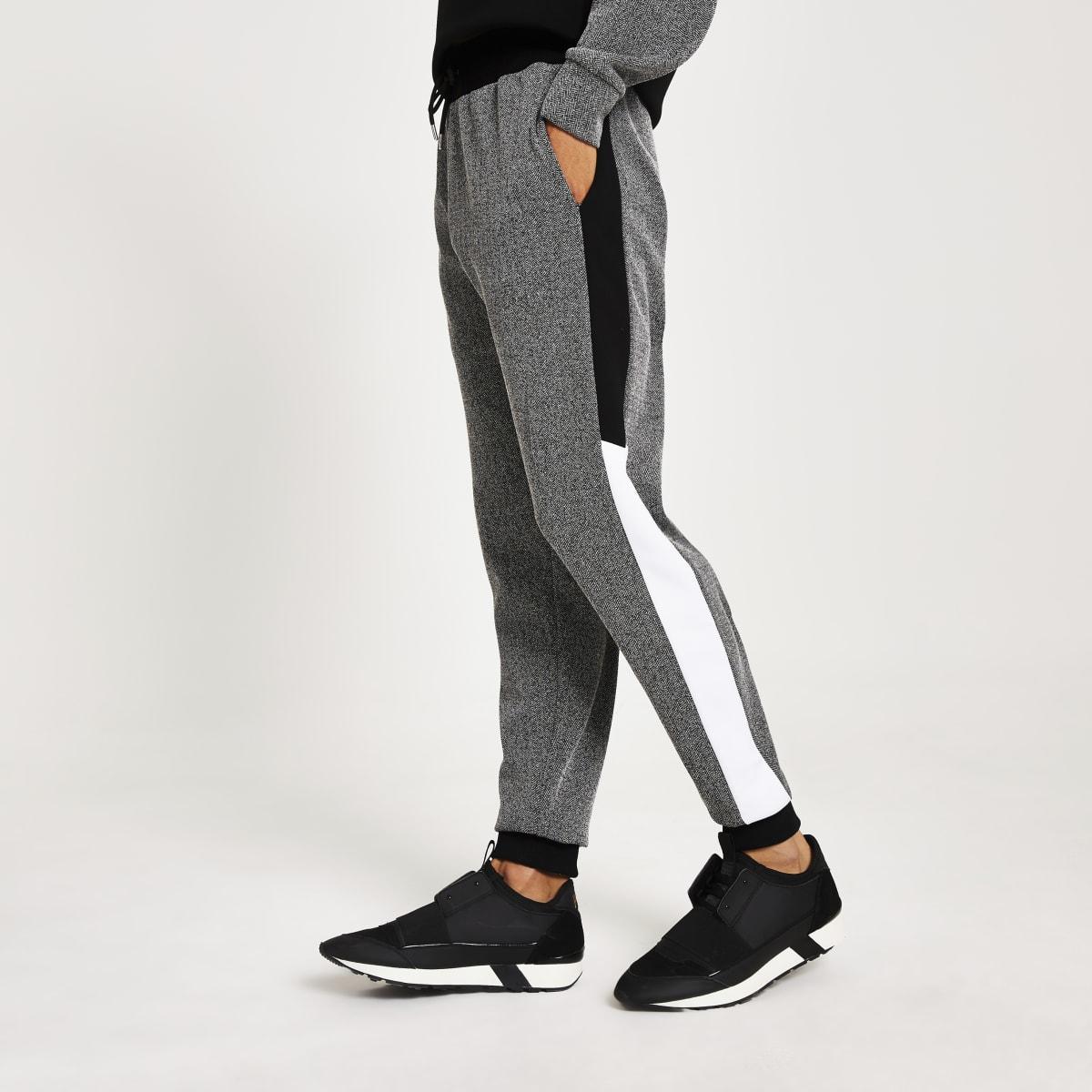 Pantalon de jogging slim noirà chevrons colour block