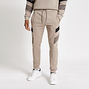 Maison Riviera – Pantalons de jogging grège colourblock