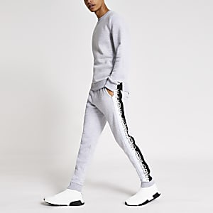 Pantalon de jogging grischiné avec broderie Undefined