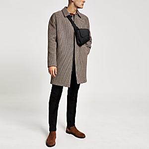 Bruine geruite jas met een knoop