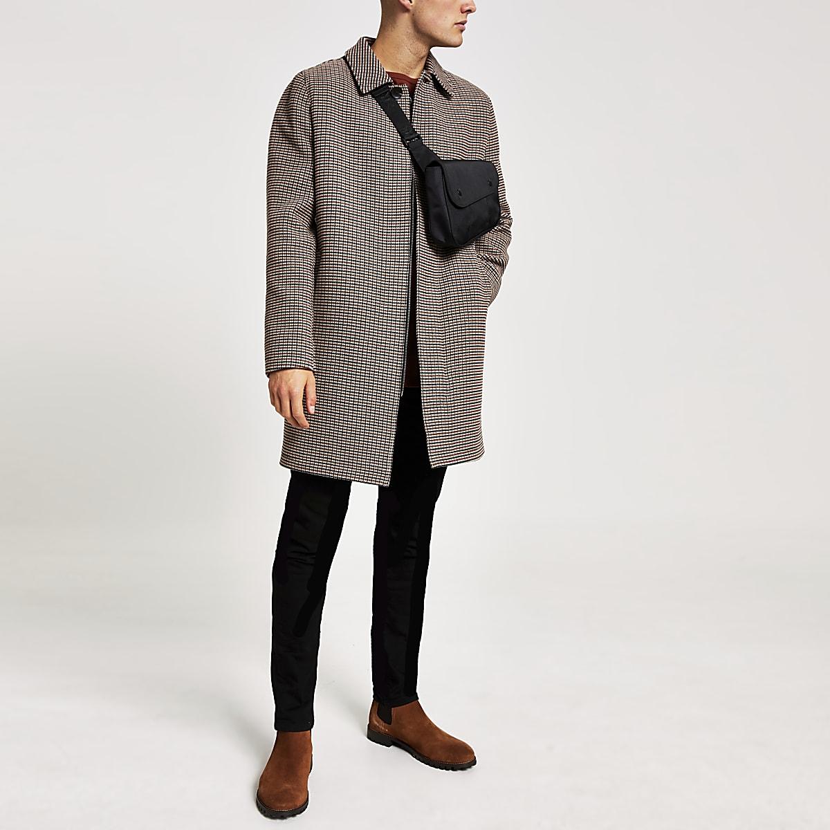 Manteau marronà carreaux avec un seul bouton