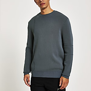 Dunkelgrauer, langärmeliger Pullover