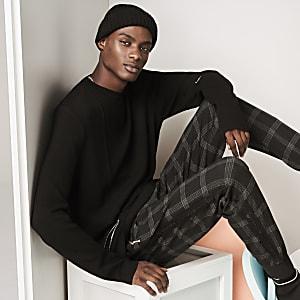 Der schwarze Montreal Pullover