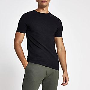 Schwarzes, geripptes, kurzärmeliges T-Shirt