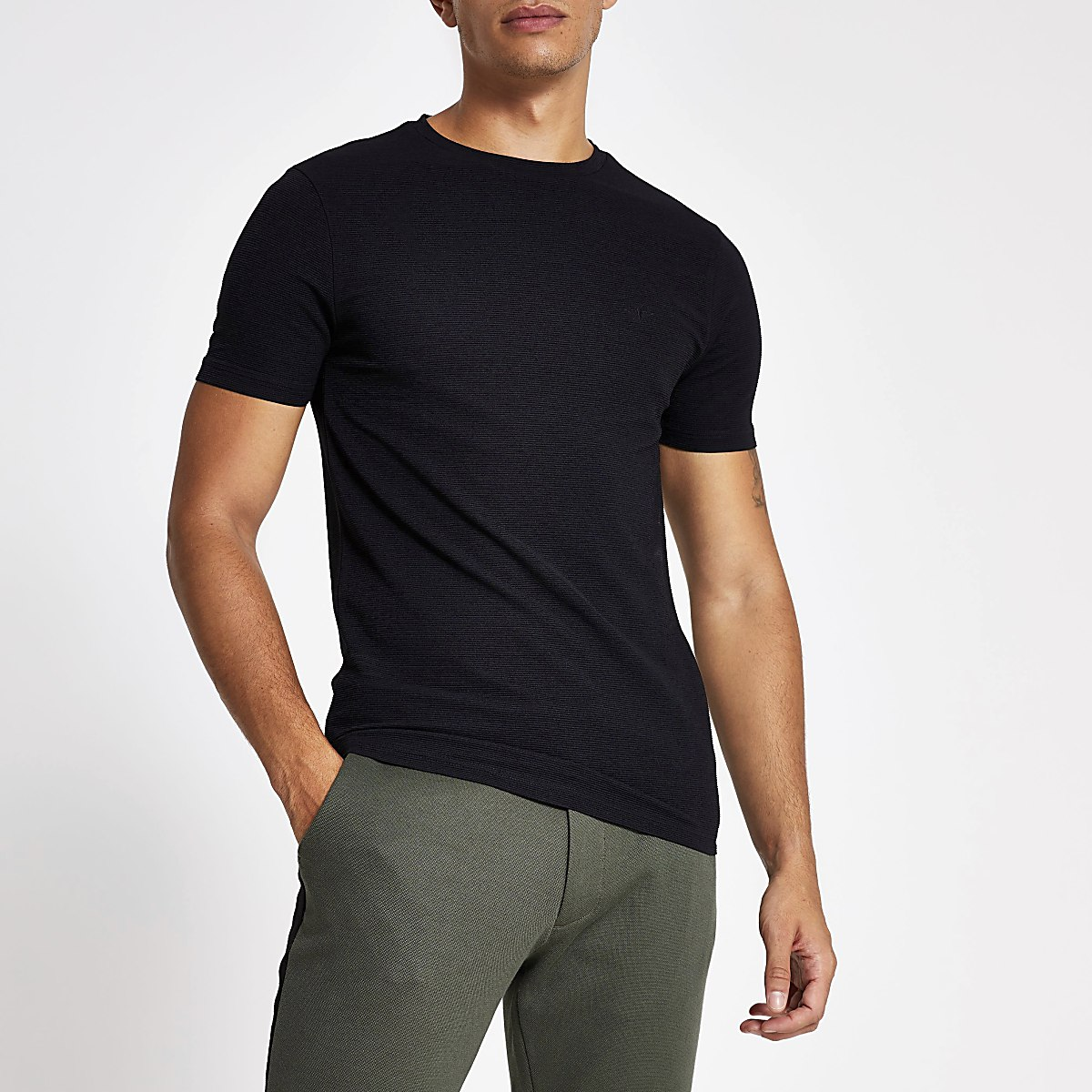 Black ribbed short sleeve T-shirt