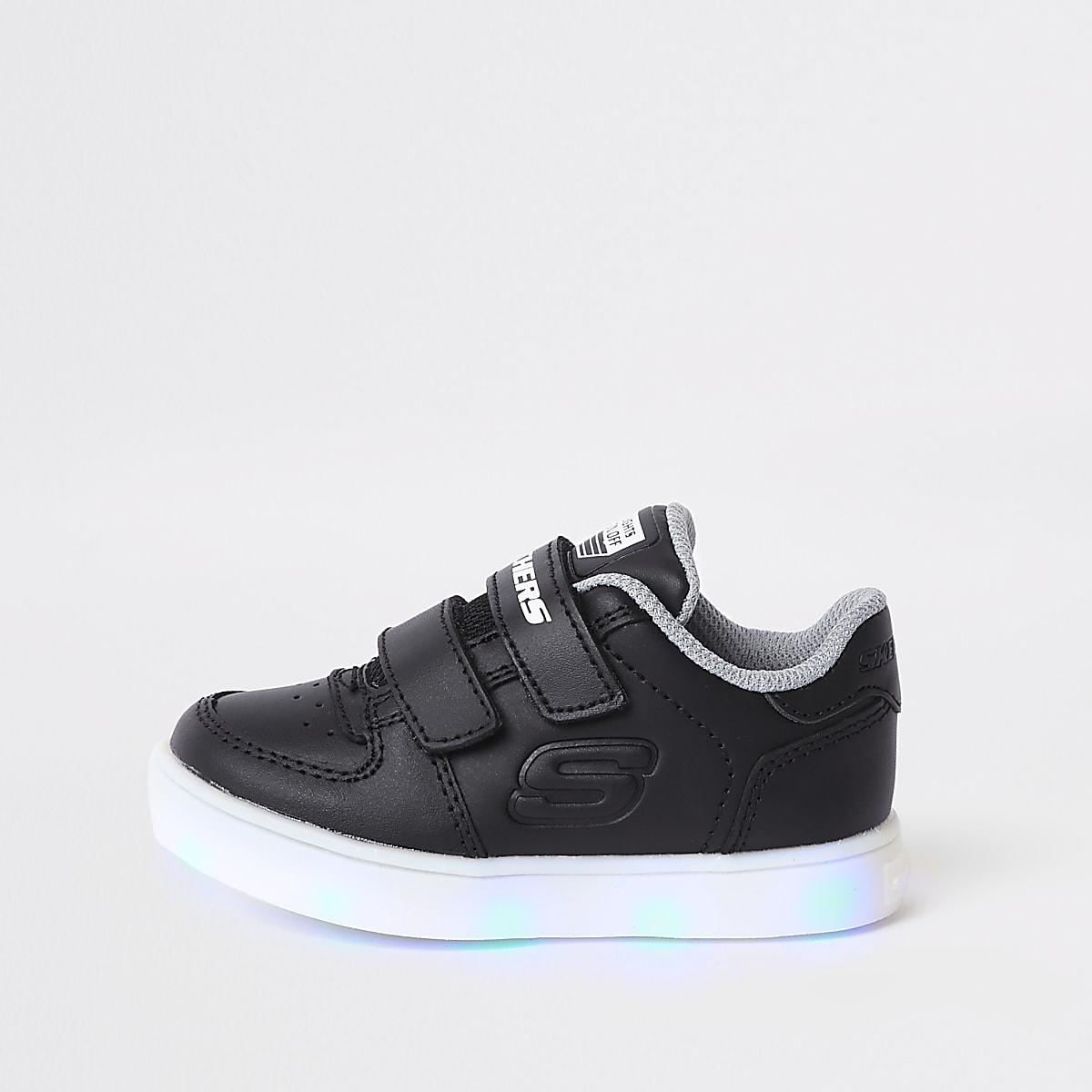 on sale eb7ce a6a01 Baskets Skechers noires lumineuses mini garçon Baskets Skechers noires  lumineuses mini garçon ...