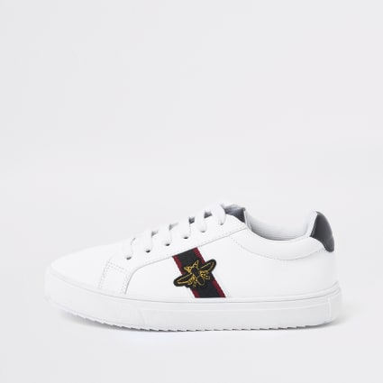 Boy's white  bee trainers