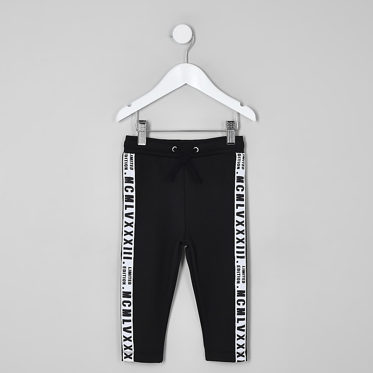 Zwarte Joggingbroek Jongens.Mini Boys Black Tape Side Joggers