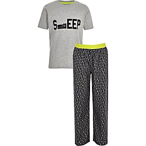 Grijze pyjamaset met 'Sleep'-print voor jongens