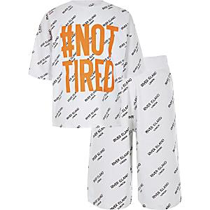 Witte pyjamaset met 'Not tired'-print voor jongens