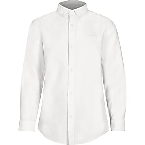 Weißes Hemd mit Button-Down-Kragen