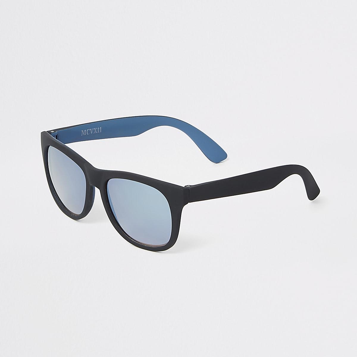 3c6d9a2f7a41a4 Zwarte retro zonnebril met blauwe glazen voor jongens - Zonnebrillen ...