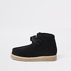 Mini boys black lace up crepe boots