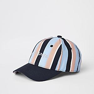 Blaue Kappe mit Streifen