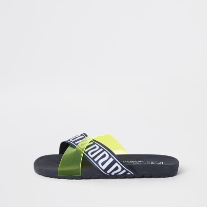 Boys yellow RI sliders