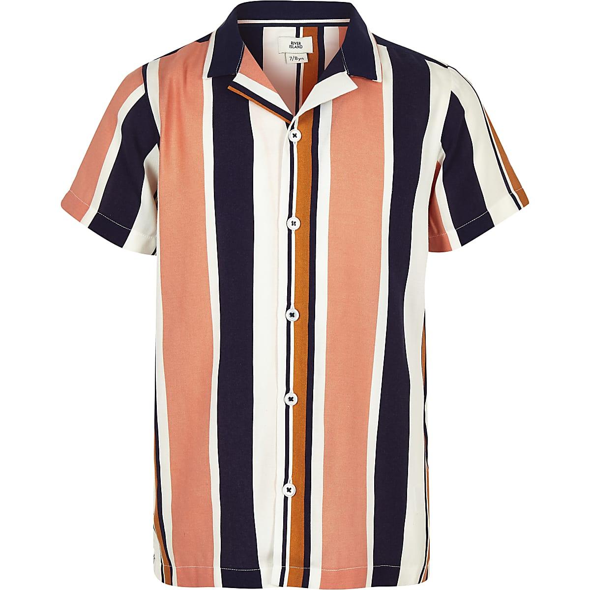 Marineblauw gestreept overhemd met korte mouwen en reverskraag voor jongens