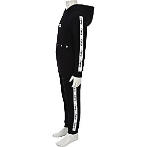Zwarte hoodie-outfit met 'Legacy'-bies voor jongens
