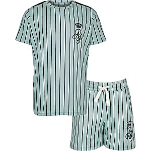Outfit mit grüner, gestreifter Shorts
