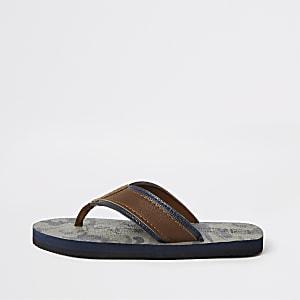 Boys khaki camo flip flop sandal