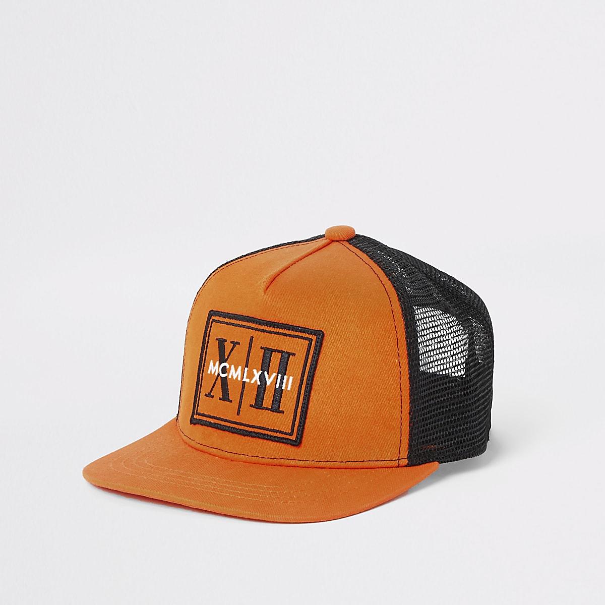 Orange Kappe aus Netzstoff