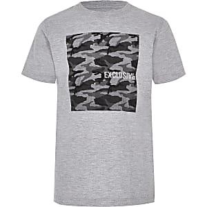 Grijs T-shirt met camouflageprint voor jongens