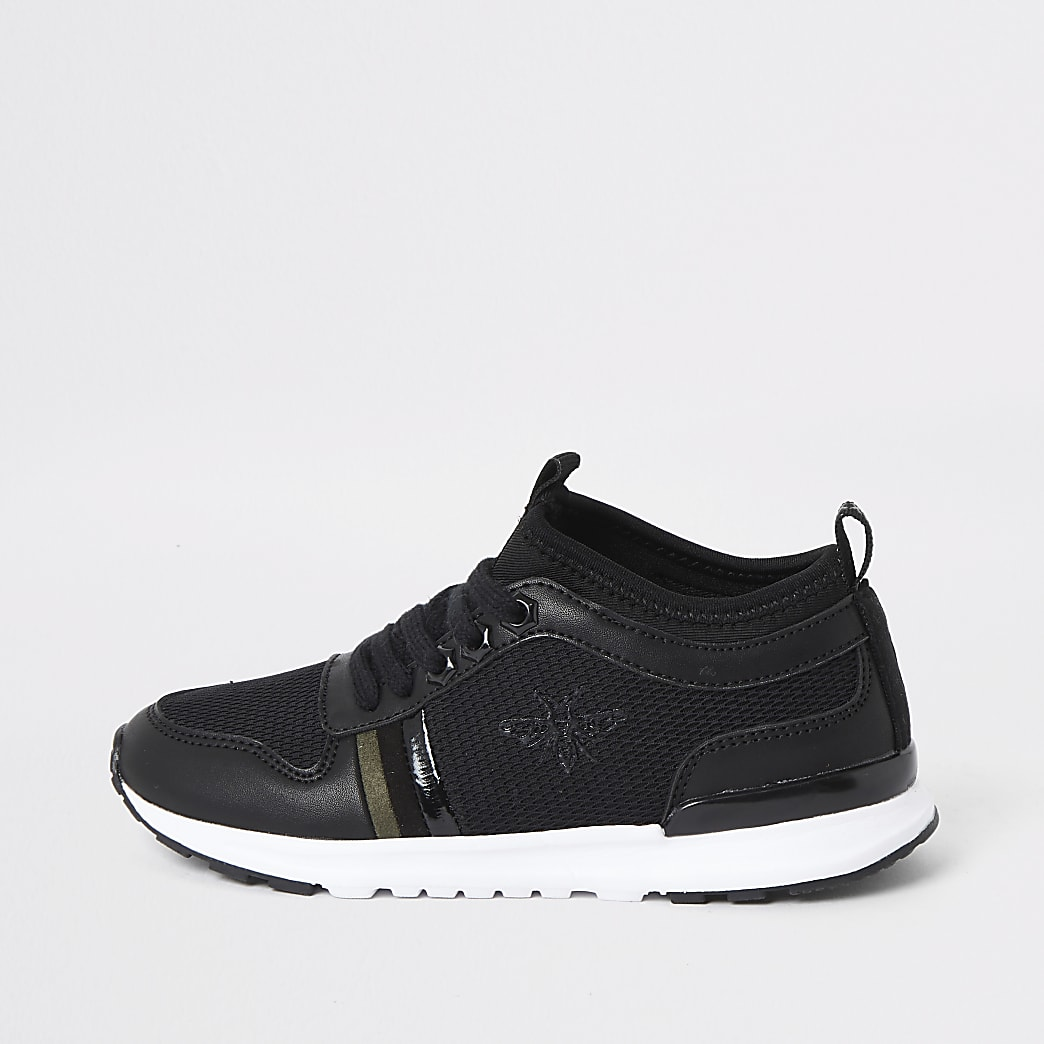 Boys black wasp runner trainers
