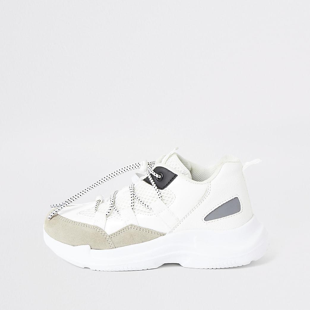 Weiße, klobige Sneakers