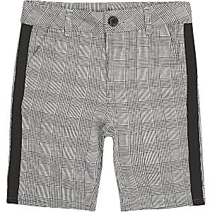 Short gris avec bandes à carreaux pour garçon