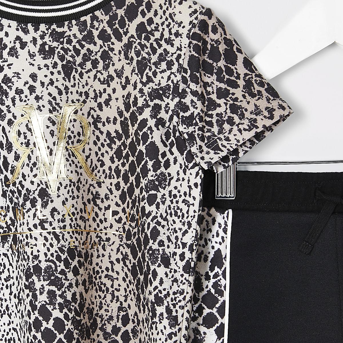 7e87efc1a0a Mini - Outfit met bruin T-shirt met slangenprint voor jongens ...