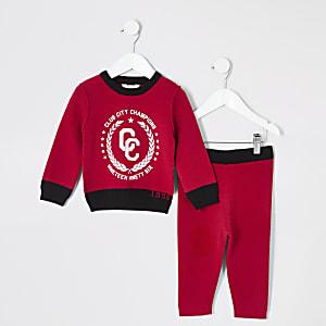 Outfit für kleine Jungen mit rotem Strickpullover mit Print
