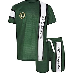 Outfit met groen T-shirt met R96-print en mesh voor jongens