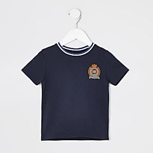 Marineblaues T-Shirt mit Aufnäher