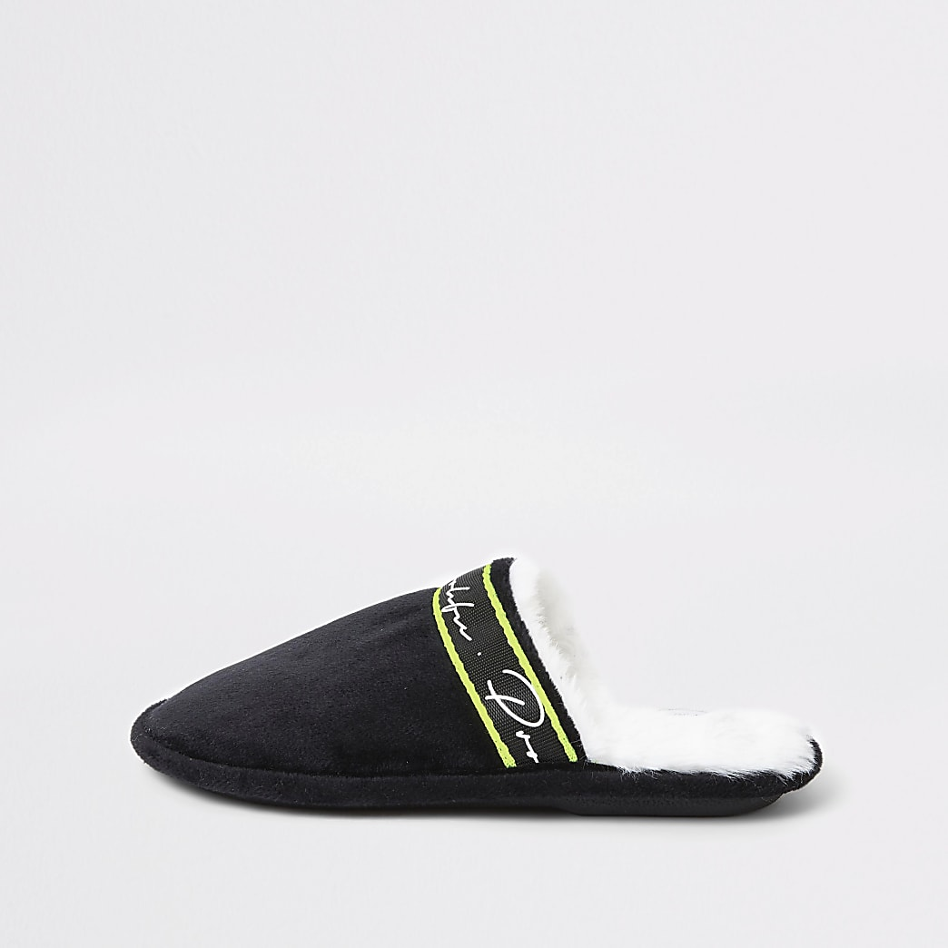 Boys black Prolific mule slippers